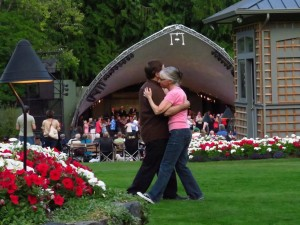 Butchart Gardens, Commodores concert August 2015